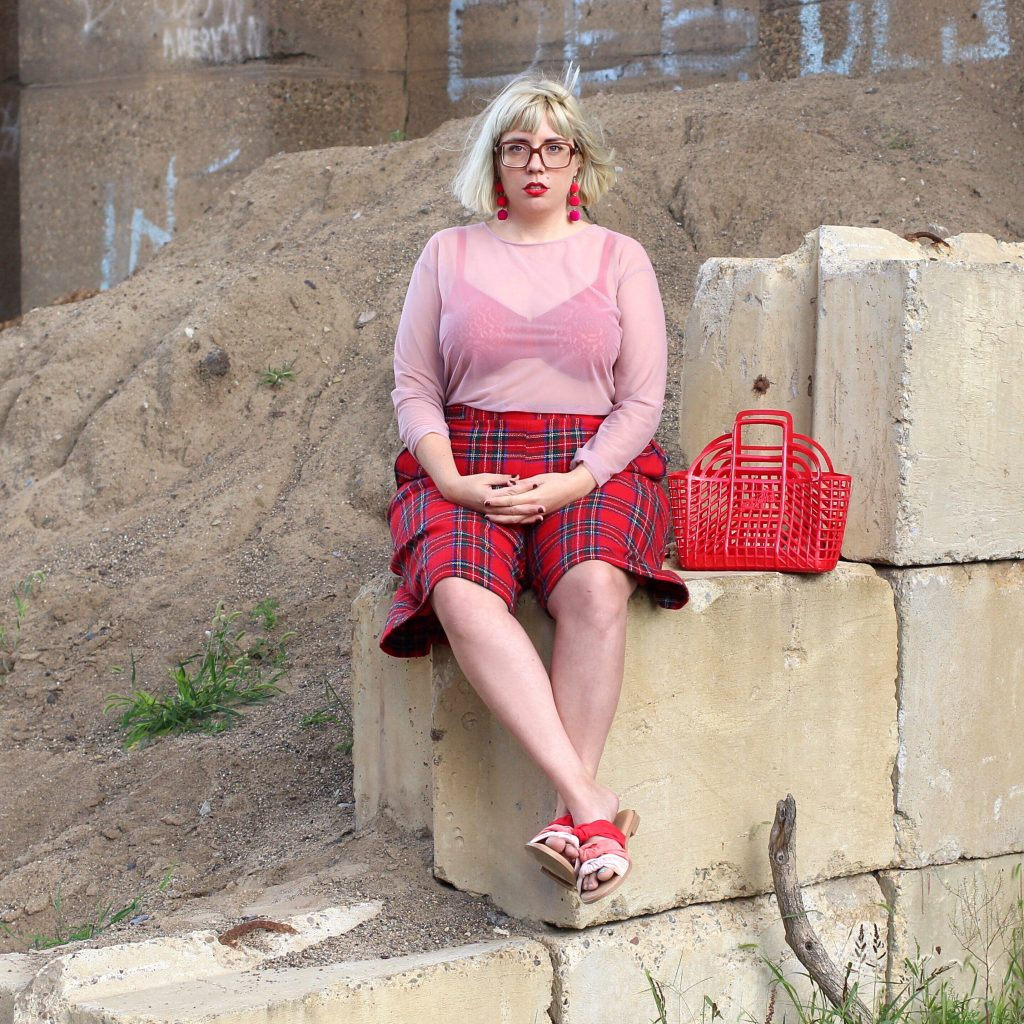 A Mix of Vintage & Contemporary Plus Size Style.